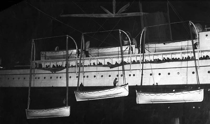 """Мы жили вместе - и вместе мы умрем: реальная история любви с затонувшего """"Титаника"""""""