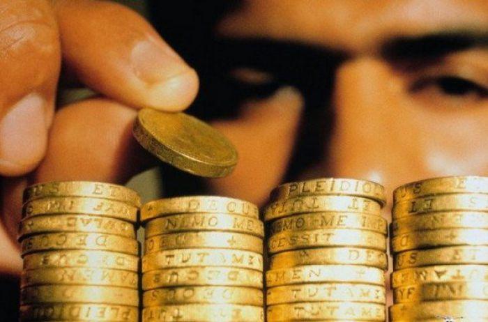 Разные валюты и точный расчет: эксперт о том, как сохранить сбережения в кризис