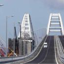 Драки, пробки, аварии: в сети опубликовали фото загруженного Крымского моста