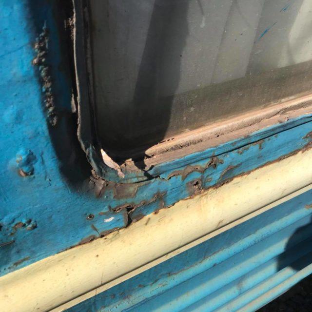 «Драндулет» в один конец: изношенный украинский поезд подняли на смех