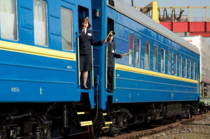 Вагон-душегуб и 14 часов ада: украинцев напугали жуткие фото из поезда