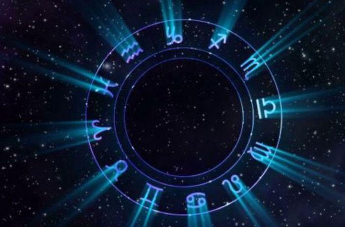 Женщинам-Львам предстоит свидание: гороскоп на 10 сентября