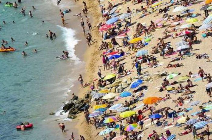 В Одессе спасатели бьют тревогу: пляжники с ужасом поглядывают на море