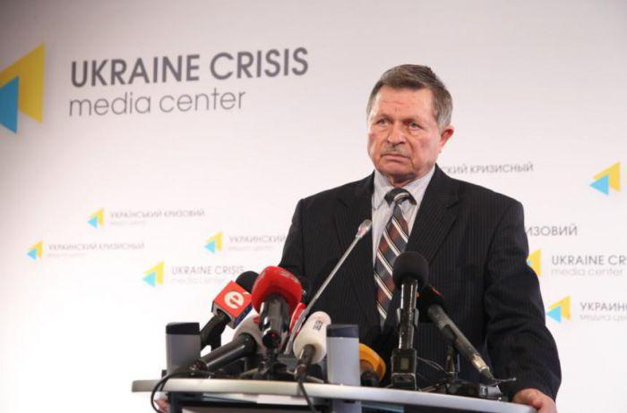 Генерал Лопата розповів, що мають отримувати українські солдати окрім зарплати