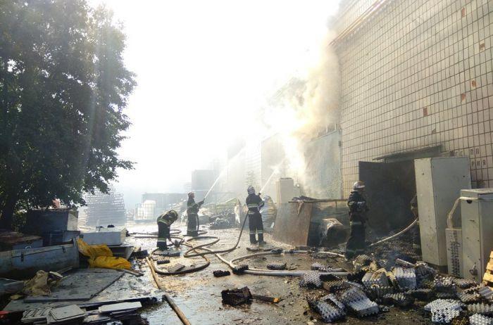 В Житомире горел картонный комбинат: руководство подсчитывает убытки