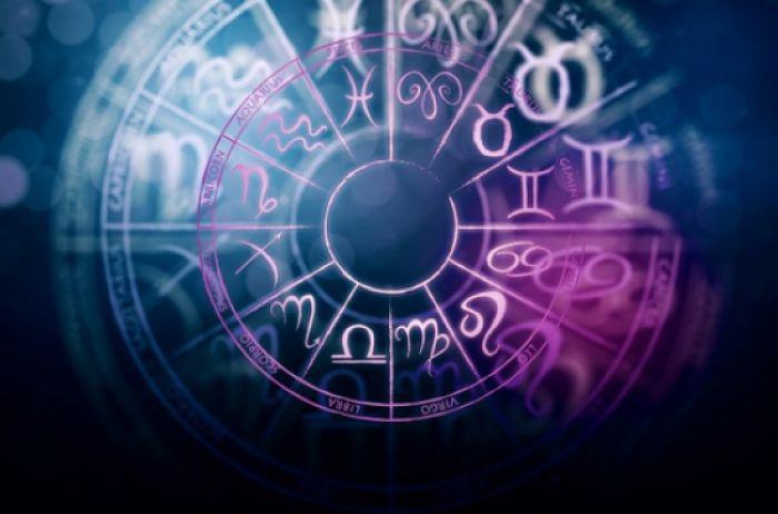 У Стрельцов вероятны вещие сны: гороскоп на 21 сентября