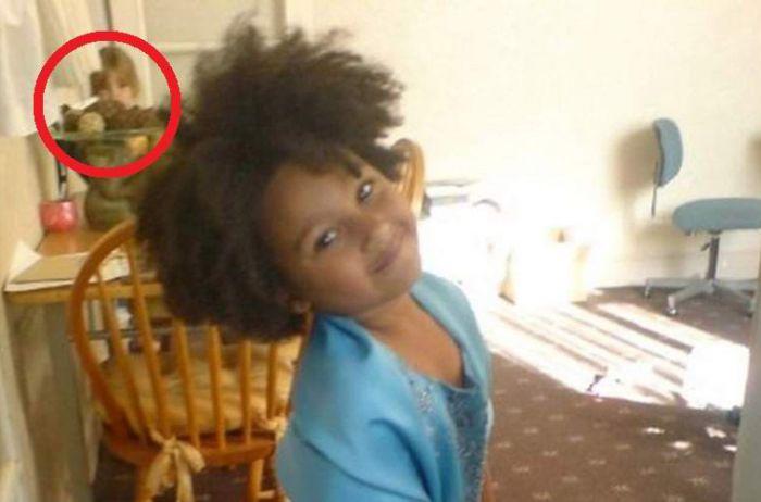 Женщина сфотографировала свою дочь за три года до ее рождения