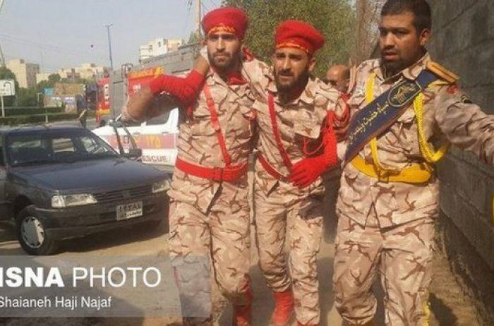 Маршировали под огнем: появились кадры смертельного расстрела военных на параде. ВИДЕО