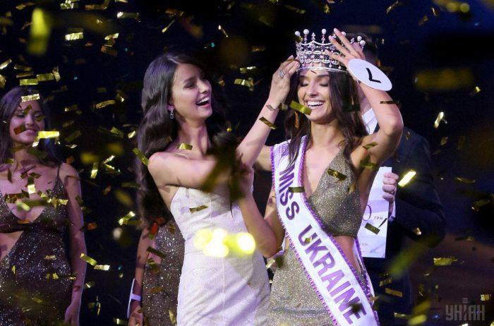 Победительница «Мисс Украина-2018» промолчала о важном и лишилась короны
