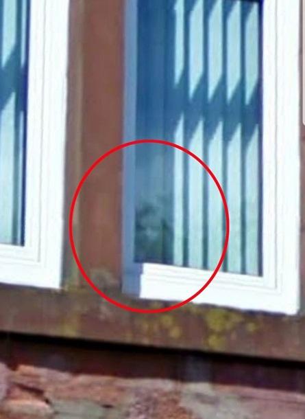 Ребенок заснял призрака, который запугивает весь дом