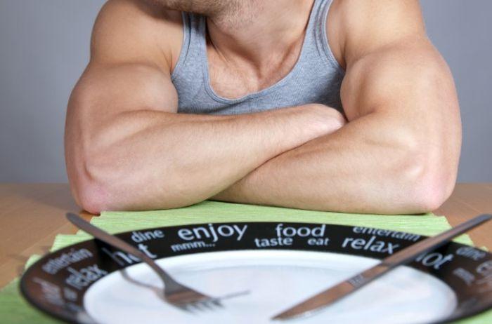 9 вещей, которые категорически нельзя делать на голодный желудок
