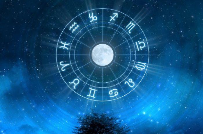 Для Львов флирт станет лучшим лекарством: гороскоп на 25 октября