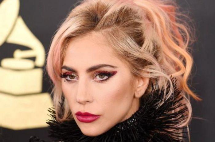 Так выглядела Леди Гага до пластики