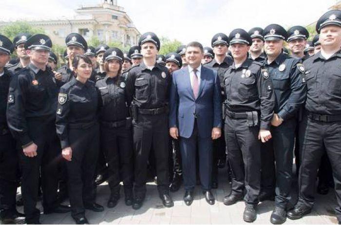 """Компенсация от государства: полицейских """"оценили"""" дешевле нардепов"""