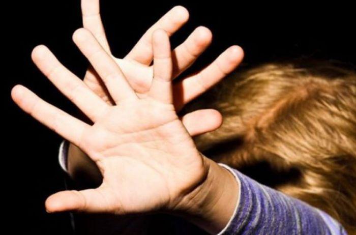 В Запорожье полиция отпустила педофила, который хотел украсть девочку и избил ее мать