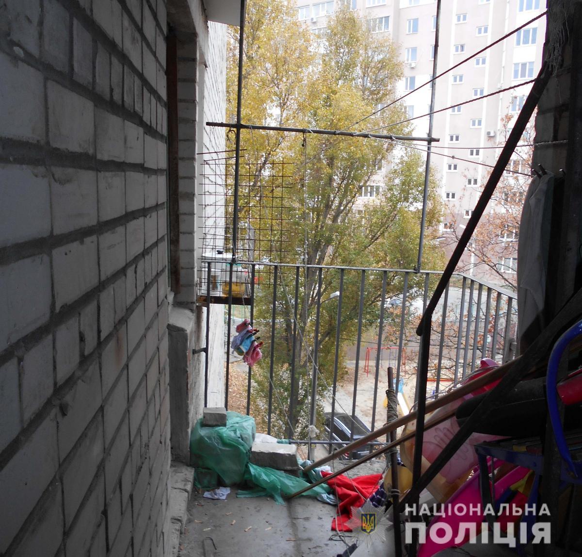 Трагедия в Харькове: на балконе повесилась 14-летняя школьница