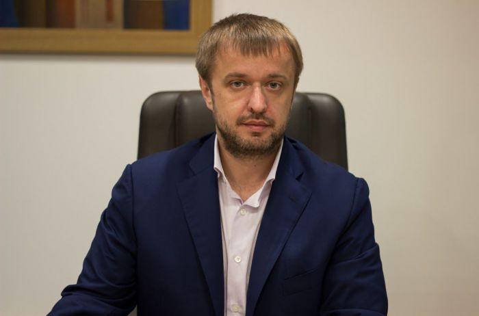 Про чесність, махінації із зерном та розкішне життя Гордійчука