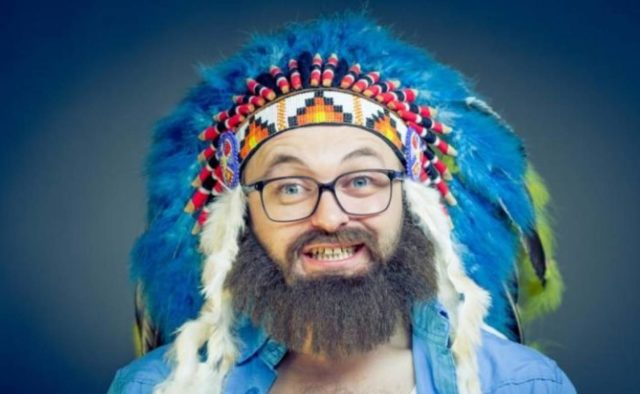 Дзидзьо показал фото без бороды