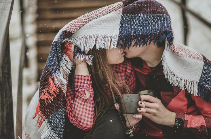 Как спровоцировать мужчину на поцелуй: ТОП-8 советов