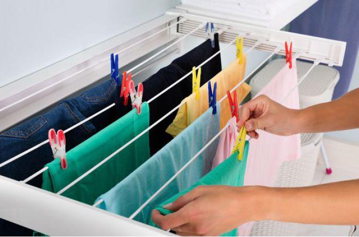 Стало известно, почему нельзя сушить белье в квартире