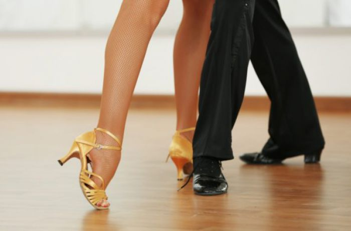 Обнаженная звезда «Танцев со звездами» показала свои «персики»