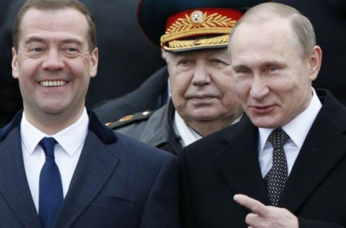 Портников: У Путина и Медведева давно собраны чемоданы