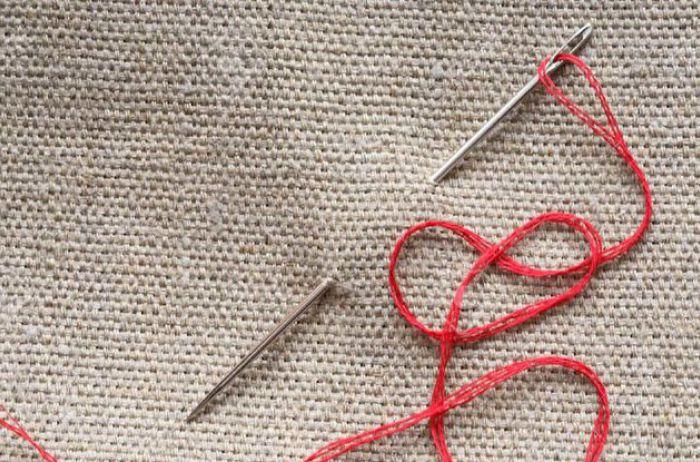 Суеверия и приметы: что нельзя делать с иголкой