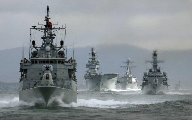 Боевая тревога: экс-командующий ВМС призвал готовить авиацию
