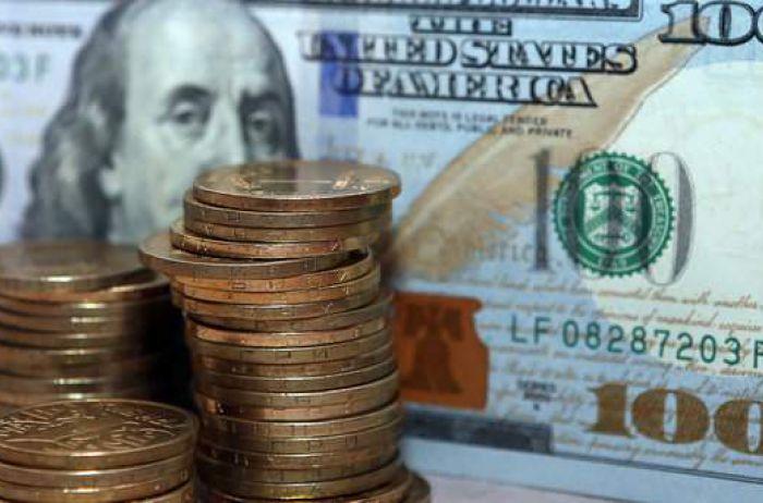 Военное положение сыграло на руку курсу доллара в Украине
