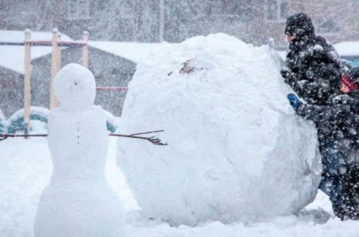 Синоптики назвали семь областей, которые заметёт снегом уже сегодня