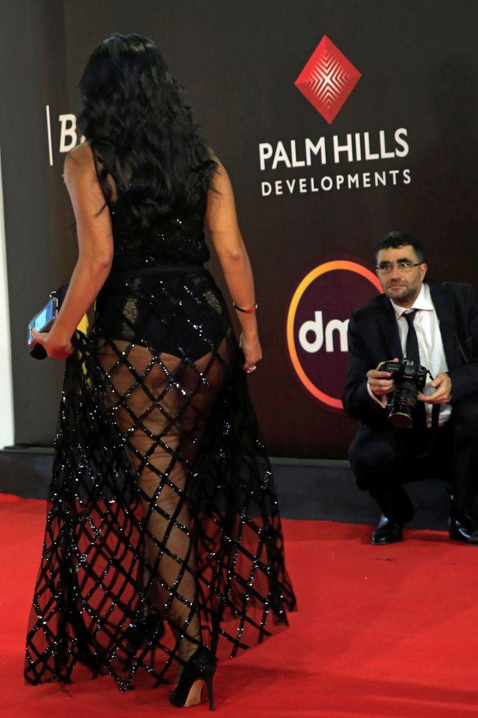 Египетской актрисе грозит тюрьма за слишком прозрачное платье