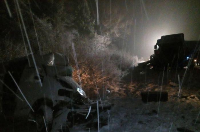 На Львовщине автоцистерна столкнулась с микроавтобусом: есть погибшие