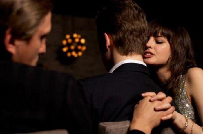 Подло и нечестно: вот как мужчины проверяют на верность