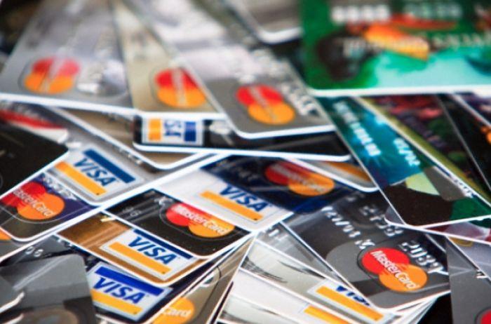 ПриватБанк предупредил клиентов о новых аферистах в Сети