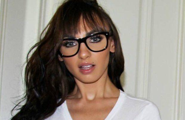 Крымская модель Playboy прикрыла свои прелести тонкой тканью