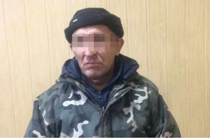 В Николаеве мужчина убил хозяина квартиры и 2 недели жил с его трупом