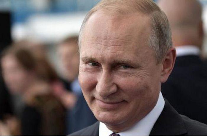 """""""Боятся вякать"""": социолог рассказал, как Путин разводит свое окружение"""