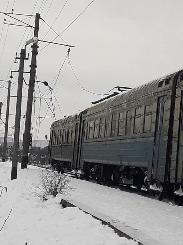 Люди в ловушке: свидетельница рассказала о страшном ЧП с поездом на Закарпатье