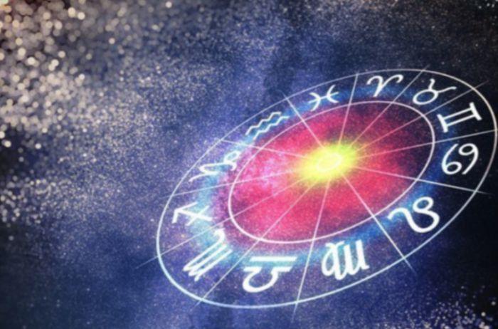 У Близнецов есть шанс хорошего заработка: гороскоп на 1 февраля