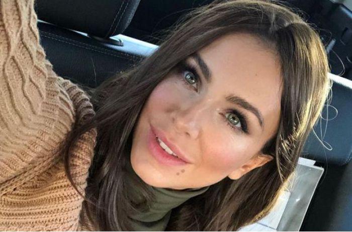 Разведенная Ани Лорак похвасталась округлившимся животиком