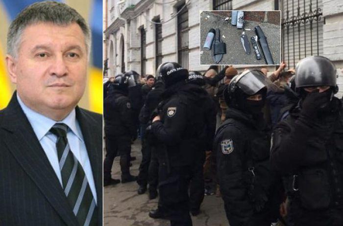 """""""Это бл**ство"""": Аваков обратился к кандидатам в президенты"""