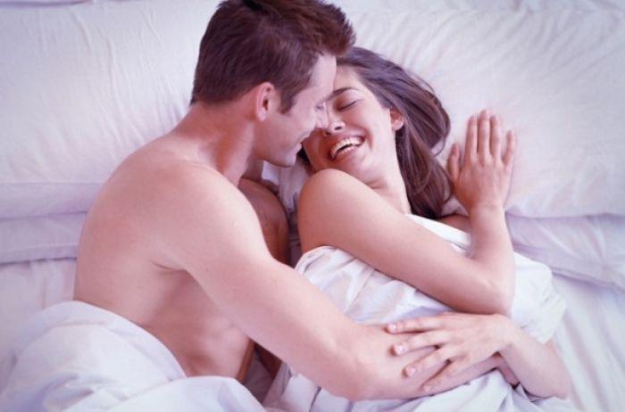 Сексологи назвали фразы, которые нельзя говорить во время интима