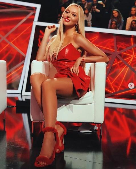 Как куколка: Полякова восхитила фанатов новым образом