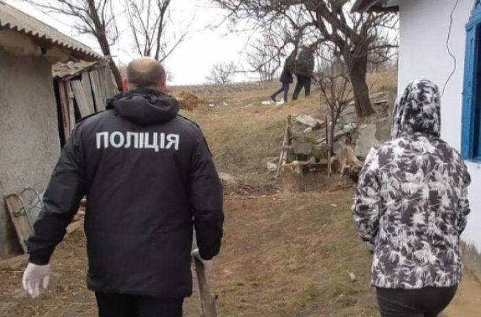 В Одесской области женщина заживо похоронила новорождённого ребёнка. ВИДЕО