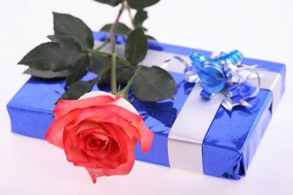 Названы подарки, которые женщины не хотят получать на 8 Марта