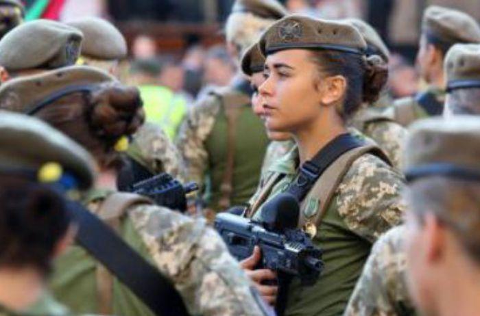 Украинкам дали неожиданное военное право