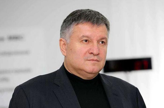 Аваков недоволен тем, как Нацкорпус кошмарил Порошенко в Черкассах