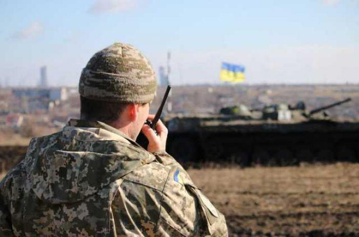 Боевики на Донбассе выкатили БМП, гранатометы и пулеметы: есть погибшие