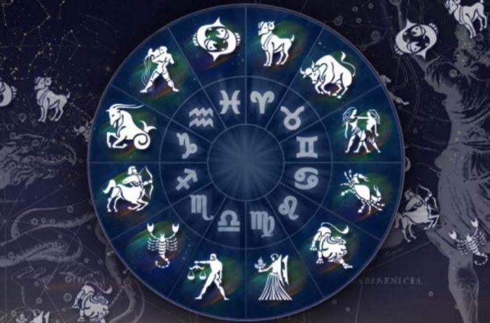 Весам стоит полностью посвятить себя работе: гороскоп на 28 марта