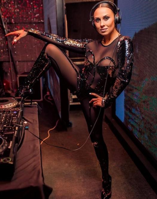 Фанаты в экстазе: Анастасия Кумейко случайно засветила грудь